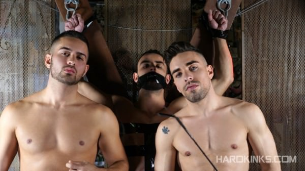 Hardkinks Under Total Control Evan Bull , Josh Milk Robbie Rojo