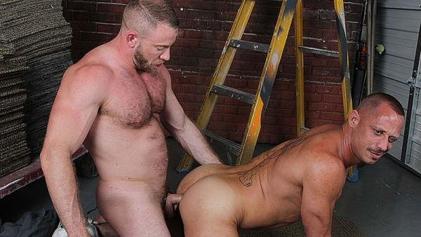 CockSureMen Shay Michaels Barebacks Kyle Savage
