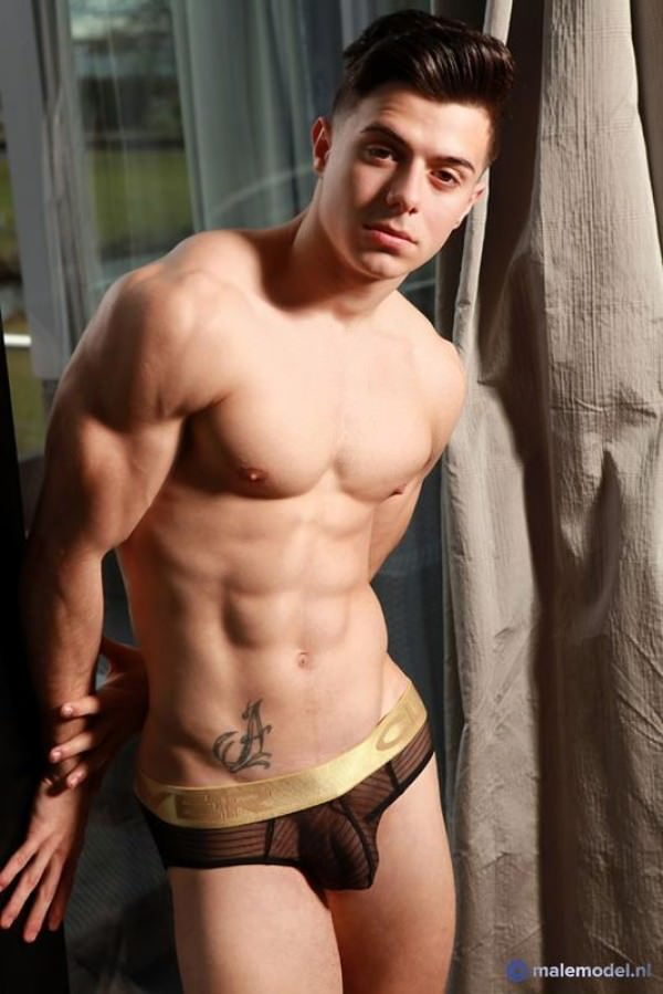 MaleModel Alex P, young fitness model from Madrid