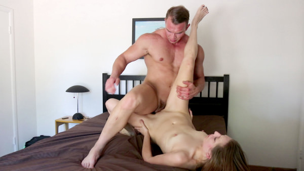 HotGuysFUCK BIG Bodybuilder Dorian James FUCKS Tori Blue