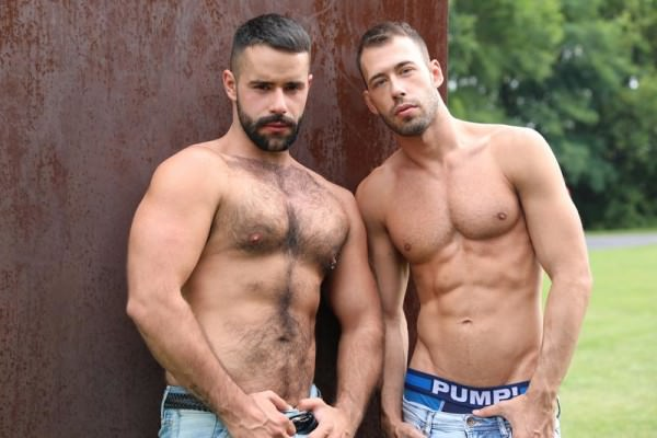 Ericvideos Brandon gets grabbed by Teddy in a park Brandon Jones Teddy Torres Bareback