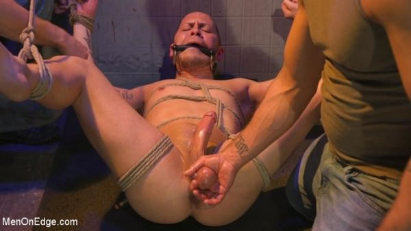 MenOnEdge Brodie Ramirez Gets Edged in the Alley