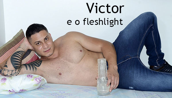 MundoMais Fleshlight com Victor
