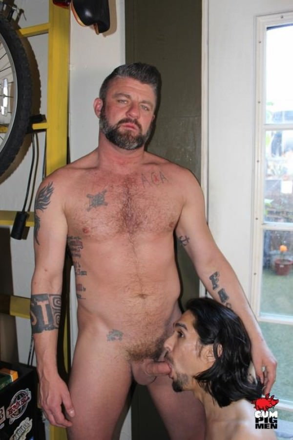 CumPigMen Muscledaddy Christian Matthews Gets his Pole Polished by Maxx Stoner