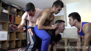 Hardkinks – Bullies Str8 Vs Neighbor – Bunker Abel & Eloy Fox
