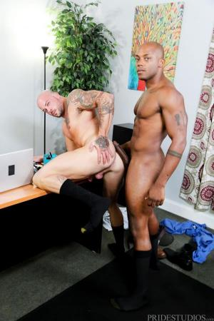 ExtraBigDicks – Administrative Power Bottom – Sean Duran & Osiris Blade