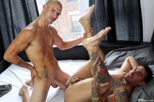 MenOfMontreal – Working on His Bedside Manners – Emilio Calabria & Rian Fortin