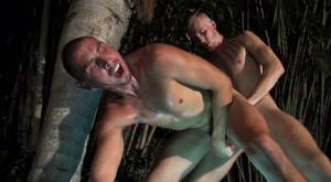 DudesRaw – Luke Wilde Barebacks Crash Michael's Hot Hole