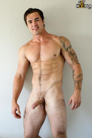 GayHoopla – Richard Sutherland – BIG Muscle Jock JERKS His COCK