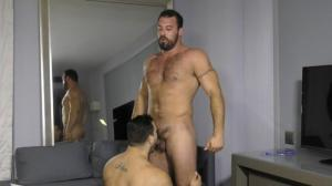TheGuySite – Blowing Tank – Marcelo & Tank