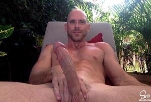 Johnnysins – Johnny Sins Outdoor Lounging Solo