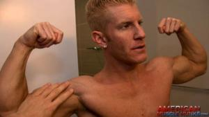 AmericanMuscleHunks – Johnny Flexes