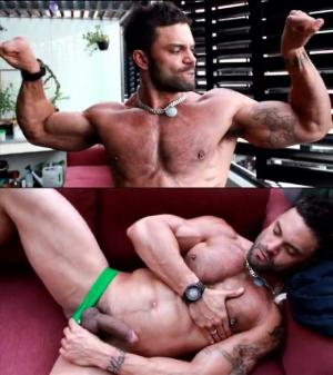RoganRichards – Rogan Shows Off on His Balcony – Solo