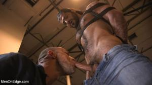 MenOnEdge – Hot biker gets edged in the motorcycle garage – Ali Liam