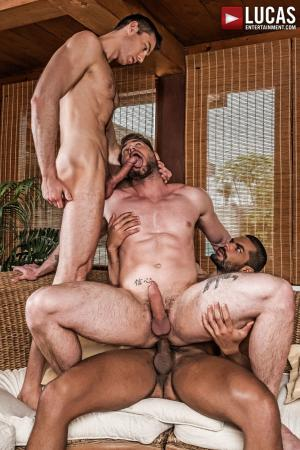 LucasEntertainment – Ace Era & Ralph Novak Cuckold Lucas Fox – Bareback