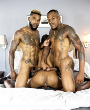 BreedItRaw – Gio, Mannie & Romeo – Hot Body Tattood Jocks Fuck Raw In Urban 3 Sum – Bareback