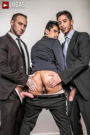LucasEntertainment – Gentlemen 20: Inside Trade – Dylan James & Drae Axtell Double Team Lee Santino – Bareback