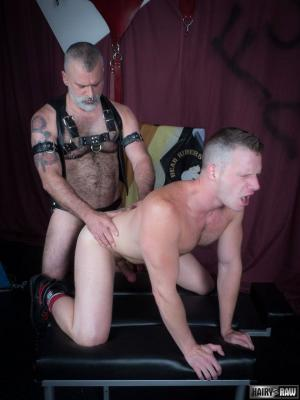 HairyandRaw – Tom Carlton & Brian Bonds – Bareback