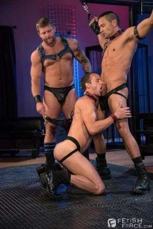 FistingCentral – Fetish Findr – Nate Grimes, Gabriel Dalessandro & Colby Jansen