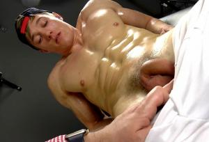 EastBoys – Larry McCormick – Massage – Handjob – Part 1