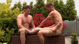 Englishlads – Massively Hung Straight Lad Tom gets his 1st Wank and Blow from a Man – Tom Sutcliffe & Jack Windsor