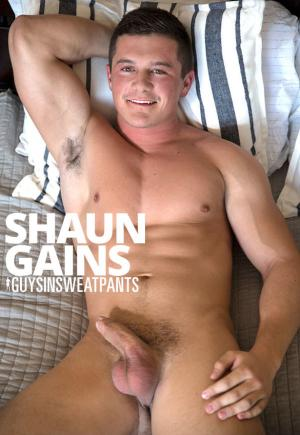 GuysInSweatpants – Shaun Gains rubs one out