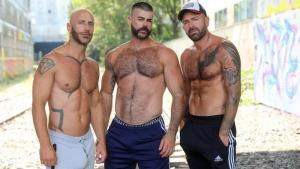 Ericvideos – Jeremy, Aymeric & Jose – Taken by two guys in a basement – Bareback